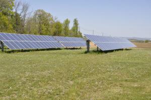 installation-ferme-solaire-au-sol